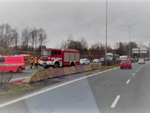 Nehoda dvou osobních aut zastavila na hodinu a půl provoz na průtahu Libercem