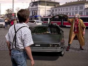 Oblíbenýý filmař Michal Orsava zachraňuje Česko před hrozivou budoucností.