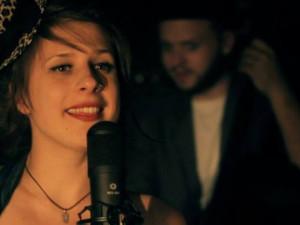 Dubnový Open mic koktejl namíchá krásné hlasy čtyř dam.