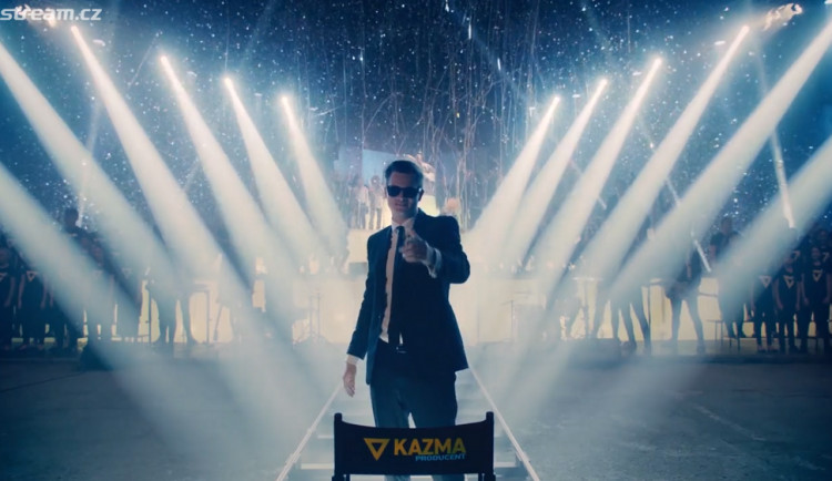 KOMENTÁŘ: Lesk a bída Kazmova velkolepého divadla