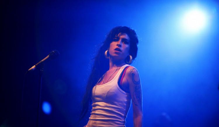 GLOSA: Hologram Amy Winehouse na turné. Já vám nevím…