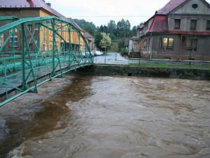 Řeka Smědá ve Frýdlantě při povodních