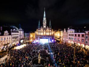 Koncert na náměstí.