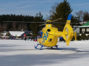 Vrtulník v Harrachově.