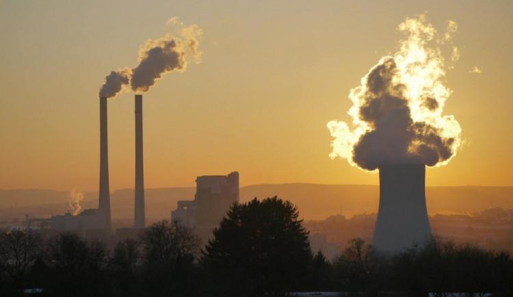 Ministerstvo jde na ruku uhelným elektrárnám. Chce jim povolit vypouštět do vzduchu skoro o polovinu více rtuti