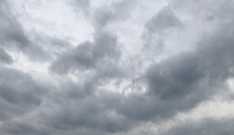 POČASÍ NA PÁTEK A VÍKEND: Bude se stále více ochlazovat, v neděli může i sněžit