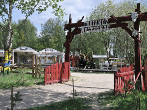 Westernové městečko v Hrádku zaniklo, parkují tam karavany