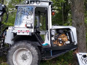 Traktor po nehodě.