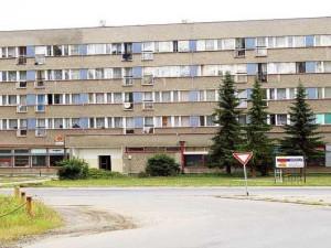 Chátrající ubytovna Kovák.