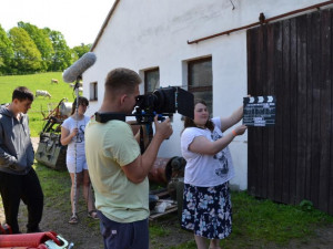 Natáčení filmu Z města na venkov.