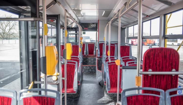 Doprava mezi kraji by se mohla zlepšit, zajistit by to mělo společné memorandum