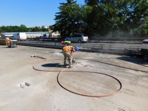 Opravy mostu přes Jizeru se zkomplikují.