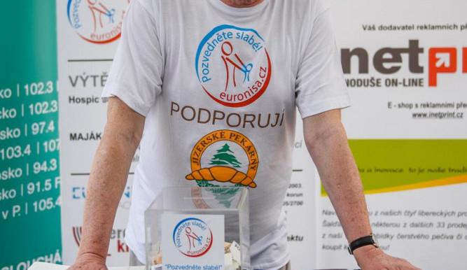 Sbírka Pozvedněte slabé podpořila turnovské Centrum pro rodinu Náruč