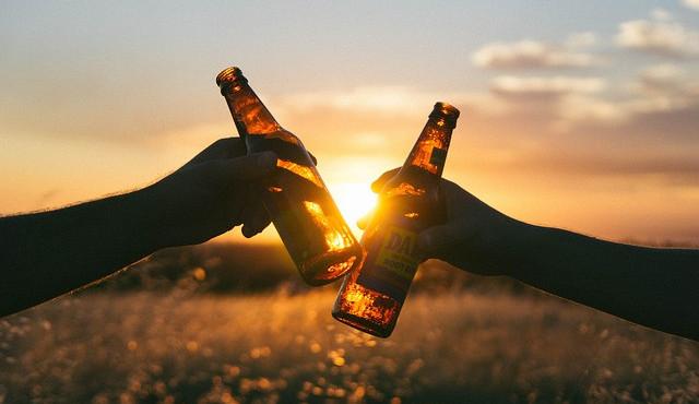 Nová vyhláška zakazuje v Turnově alkohol na veřejných místech