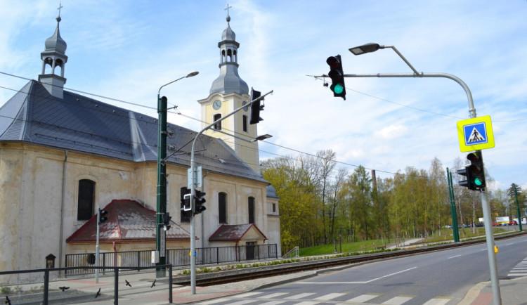 Semafor ve Vratislavicích od června nefunguje, zprovozněný by měl být co nejdříve