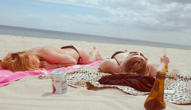 PRŮZKUM: Téměř čtyřicet procent lidí letos vynechá letní dovolenou