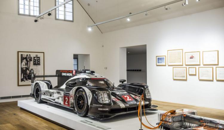 Porscheho muzeum ve Vratislavích představuje závodní speciál