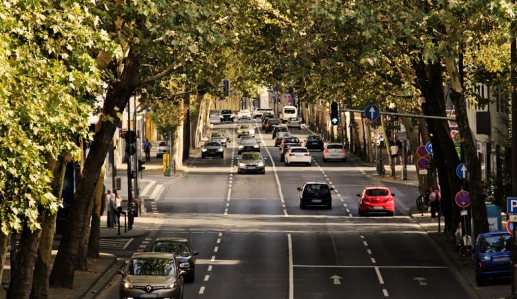 Za deset let by mohlo v Česku jezdit až 90 tisíc aut na vodík
