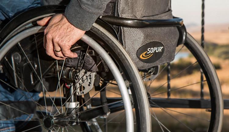 Mezi osoby se zdravotním postižením rozdělí kraj půl milionu korun
