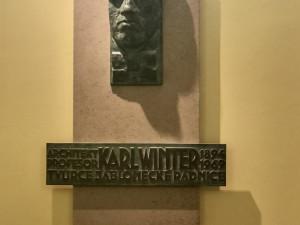 Pamětní deska Karla Wintera.