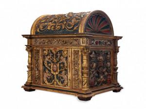 Vzácná renesanční skříňka z 16. století.
