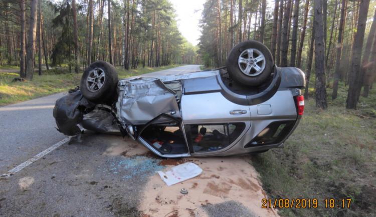 Nehody u Bílého kamene způsobil opilý řidič. Nadýchal skoro tři promile, v druhém autě se zranila holčička