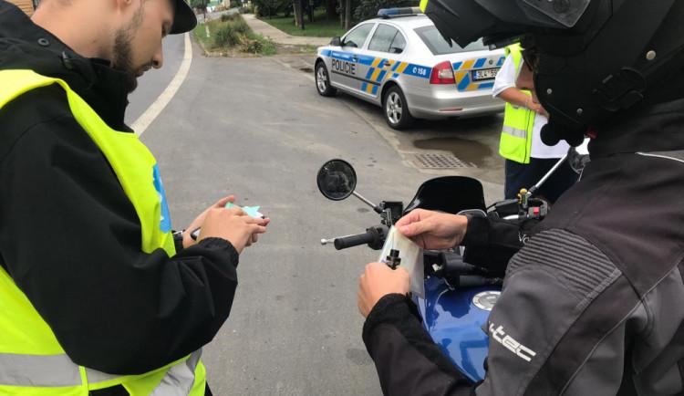 Nejčastější prohřešky motorkářů i řidičů aut? Překročení rychlosti