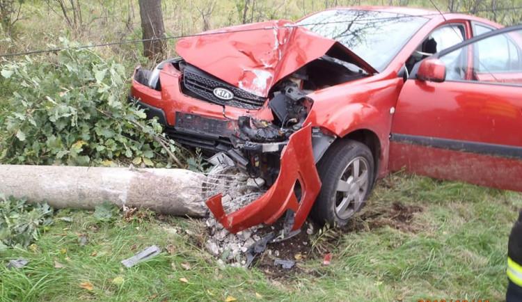 Frýdlantští hasiči dnes zasahovali u dvou vážných nehod, k jedné musel i vrtulník
