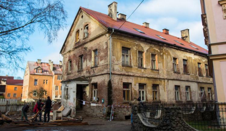 V Liberci přibývá vyloučených lokalit, naopak z Tanvaldu téměř vymizely