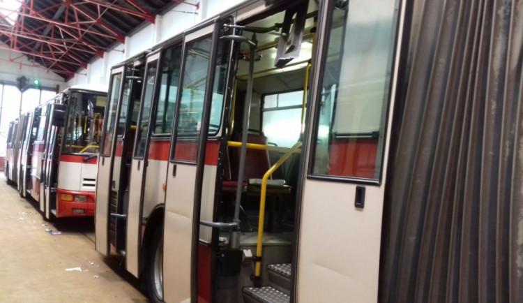 Cesta z Liberce na Béďov autobusem za dvacku. Jízdné do Jizerek se zlevní