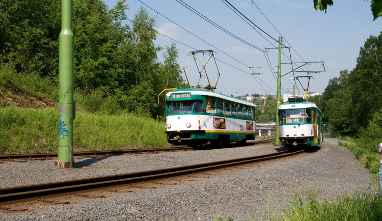 Tramvaj mezi městy bude jezdit dál. Jablonec dá miliony na modernizaci trati