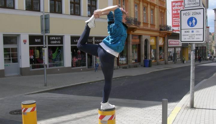 Poledance v centru Liberce.