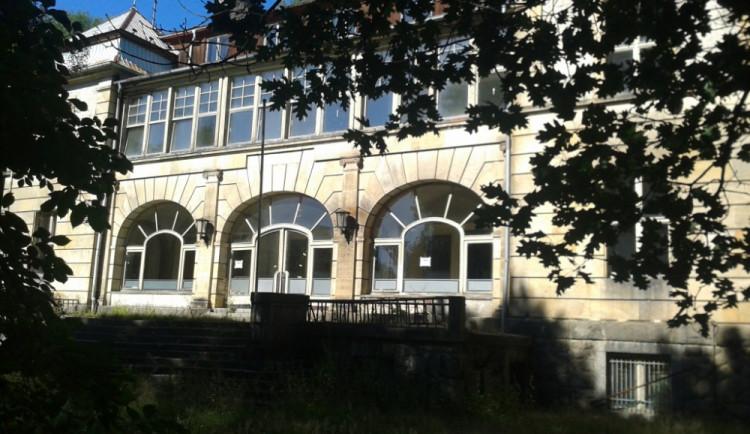 Čelní pohled na budovu