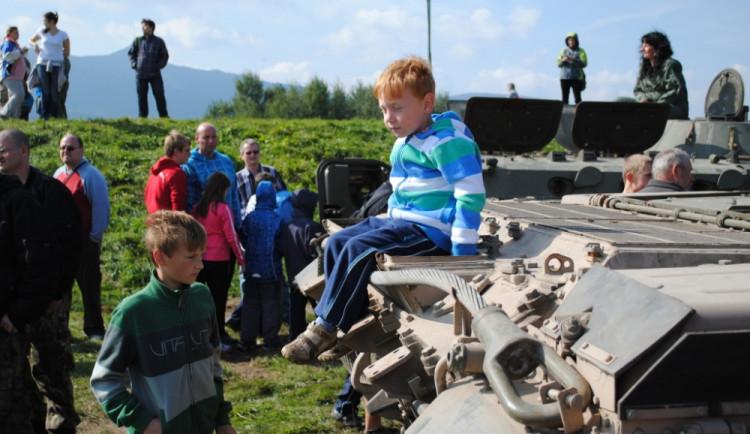 Fotku s tankem má po sobotě hodně lidí