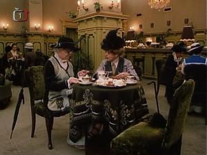 Dvě dámy rády chodily do cukrárny v Norwichi - kavárny Pošta, tehdy ještě otevřené