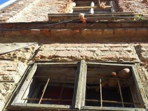 Na Papíráku připravují demolici vybydleného domu