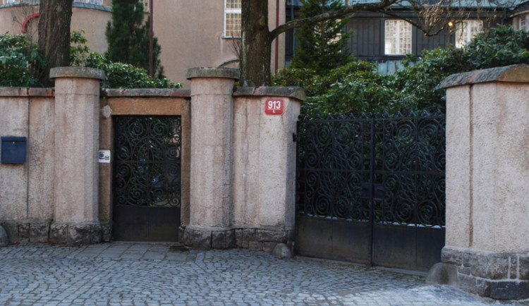 Jde o vilu, ve které sídlil Český rozhlas
