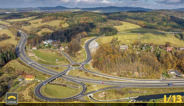 Silnice I/13 Stráž nad Nisou - Krásná Studánka. Náklady stavby: 618.996.410,-Kč (bez DPH). Silnice I/13 je součástí celorepublikové páteřní silniční sítě a nejvýznamnějším dopravním spojením frýdlantského výběžku s návazností na přeshraniční propojení do