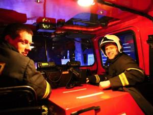 Požár a rozsáhlá pátrací akce. Noční cvičení plánovali dva roky
