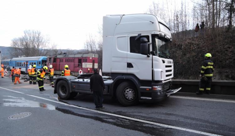 Nehoda kamionu v Dolánkách. Foto: HZS LK