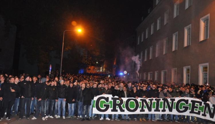 Libercem prošel pochod fanoušků Groningenu, policie musela zasahovat