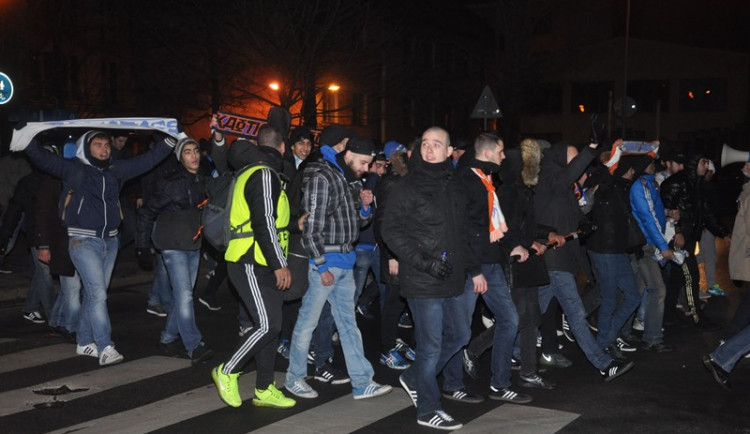 Do Liberce se sjelo 300 francouzských fanoušků, policie zatím práci neměla