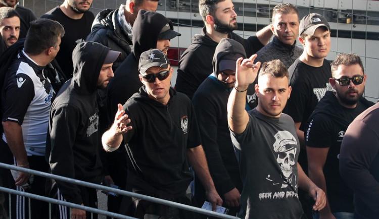Libercem prošlo pět stovek řeckých fanoušků