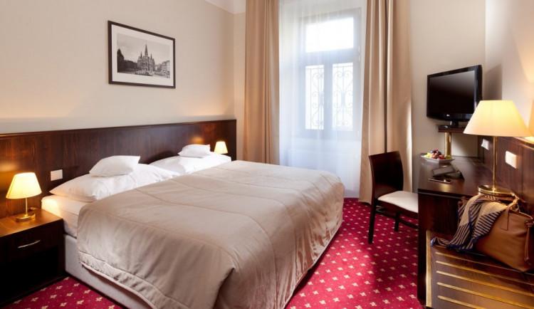 Hotel Zlatý Lev vypadá jako před 110 lety