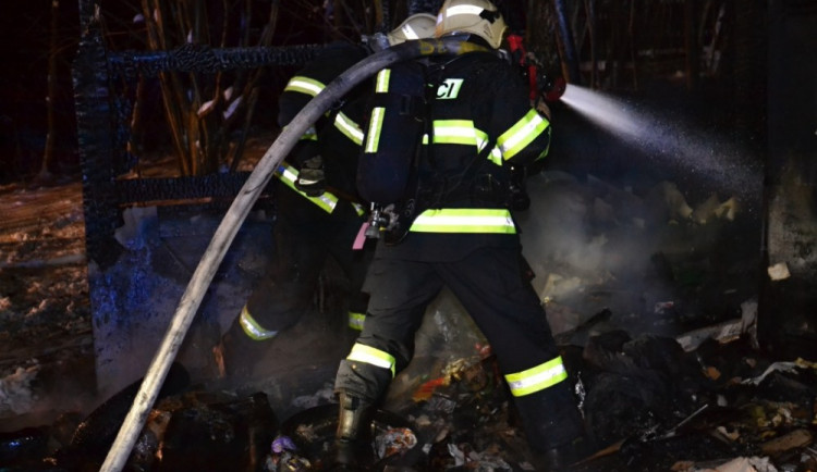 Požár chaty v Radčické ulici