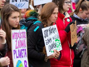 Studenti stávkovali za klima před libereckou radnicí