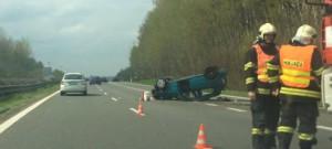 Nehoda na sjezdu ze silnice první třídy u Chrastavy
